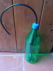 bottiglia con tubo