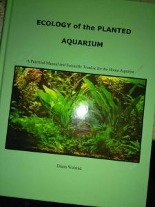 Copertina del libro di Diana Walstad «Ecology of the planted aquarium»