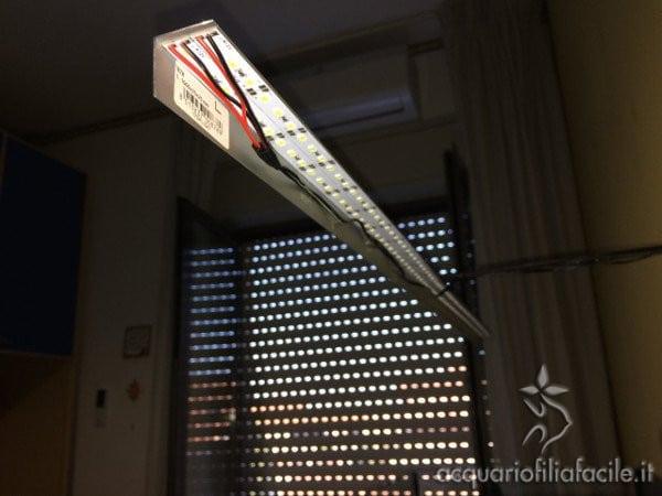 LED su profilato da sotto