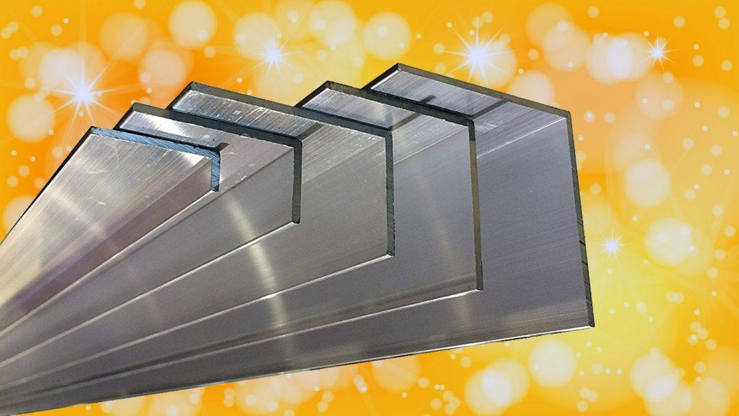 Plafoniera LED con profilati d'alluminio